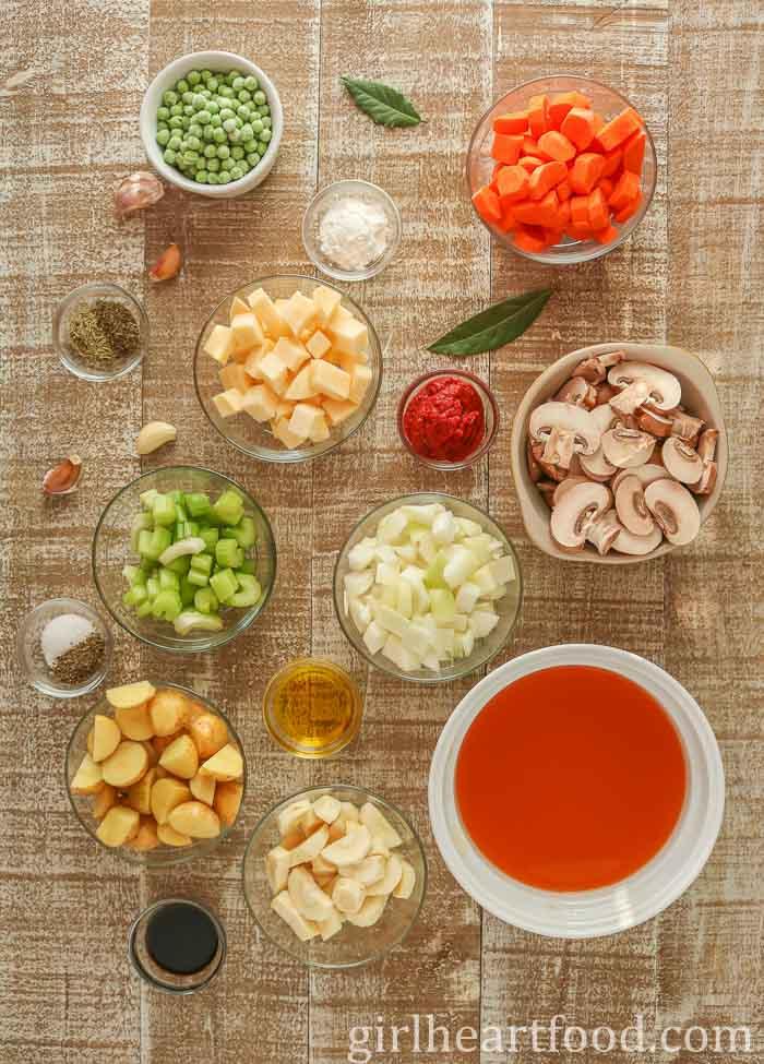Ingredients for vegan stew stew recipe.