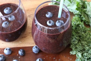 Blueberry Kale Smoothie - girlheartfood.com